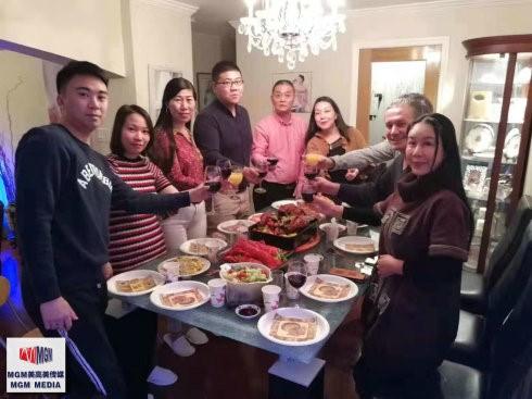 高娓娓:华人在美国中西合璧过感恩节_图1-14