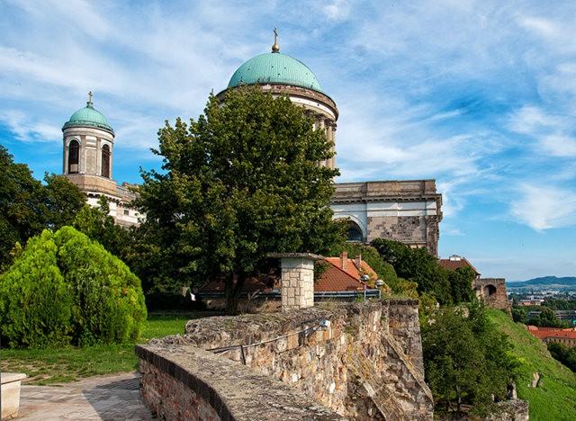 埃斯泰尔戈姆---匈牙利国家的摇篮_图1-12