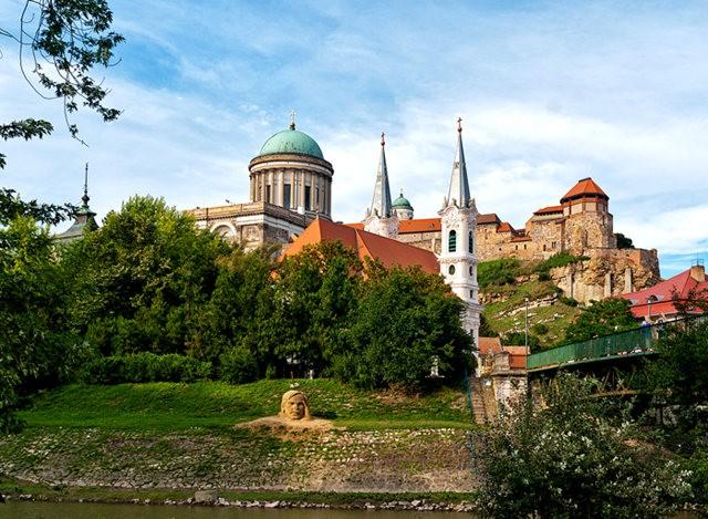 埃斯泰尔戈姆---匈牙利国家的摇篮_图1-15