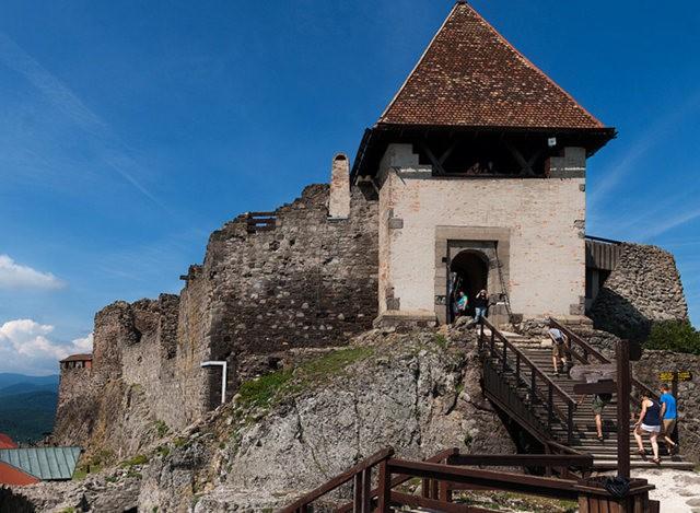 维谢格拉德城堡_图1-1