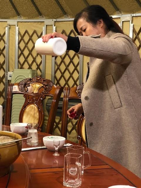 """正牌精品高级""""茅台酒""""是如此购买的_图1-5"""