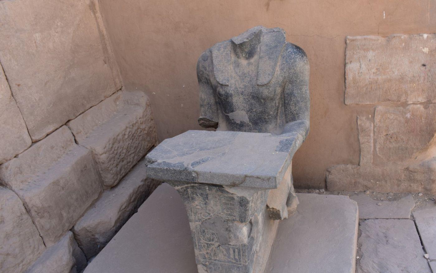 埃及卡纳克神庙群_图1-19
