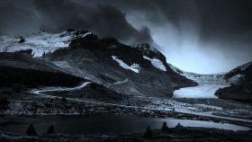 加拿大哥伦比亚冰川,山间的冰