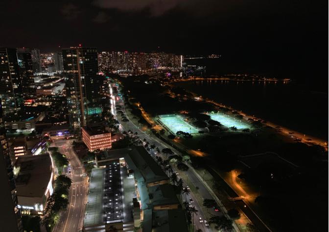 作客夏威夷房地产开发商的顶层豪宅_图1-13
