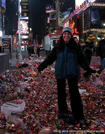 高娓娓:跨个年还得穿成人尿布,纽约时代广场新年派对囧事多! ..._图1-11