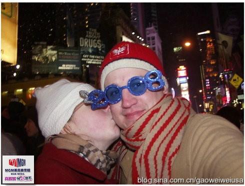 高娓娓:跨个年还得穿成人尿布,纽约时代广场新年派对囧事多! ..._图1-13