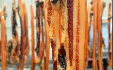 腌腊肉时,需要先洗肉吗?真是一步错步步错,难怪腊肉不香还发臭 ..._图1-4