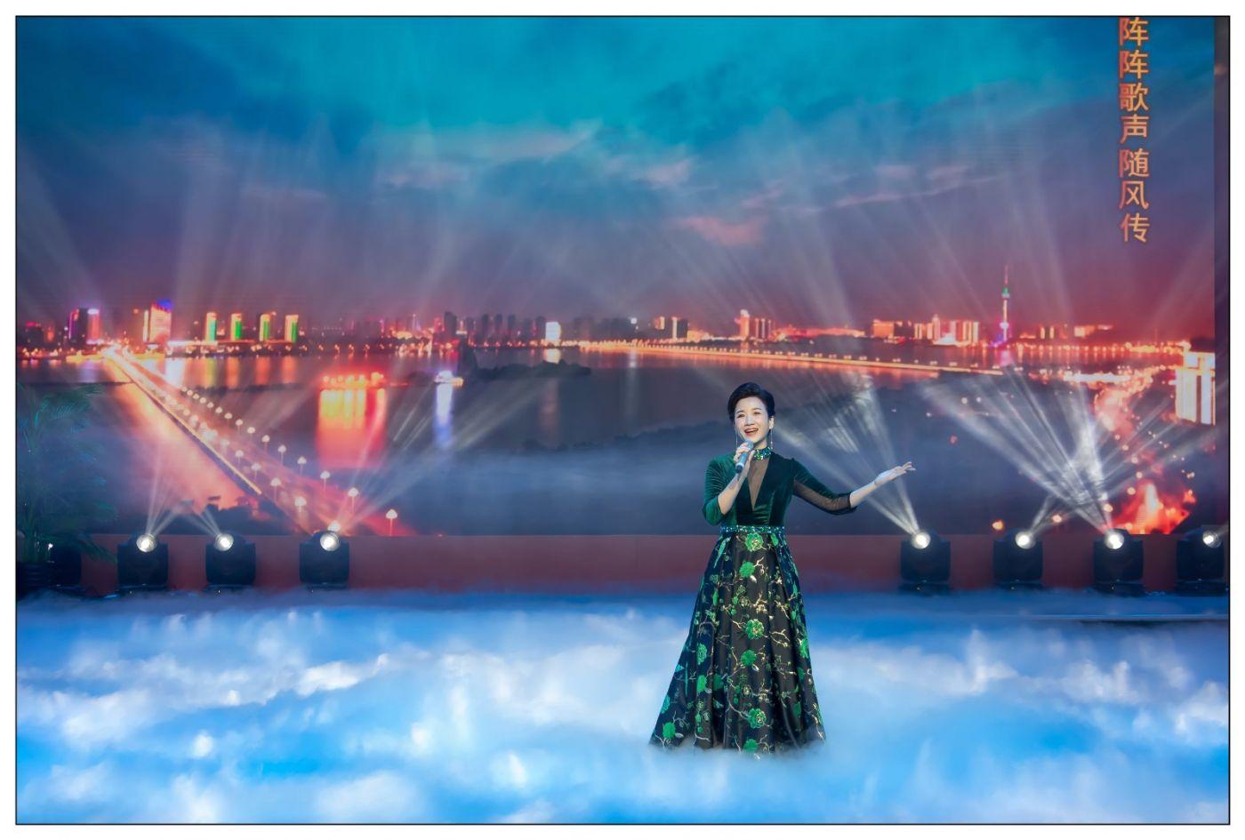 又见星光大道冠军歌手张海军 1月26央视播出 将自己唱哭的歌手 ..._图1-12
