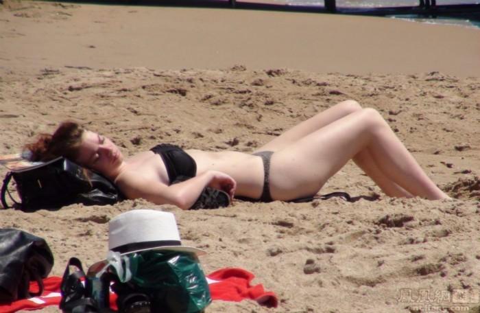 法国和意大利的海岸之旅 中世纪的白沙滩 美女与幻想_图1-1