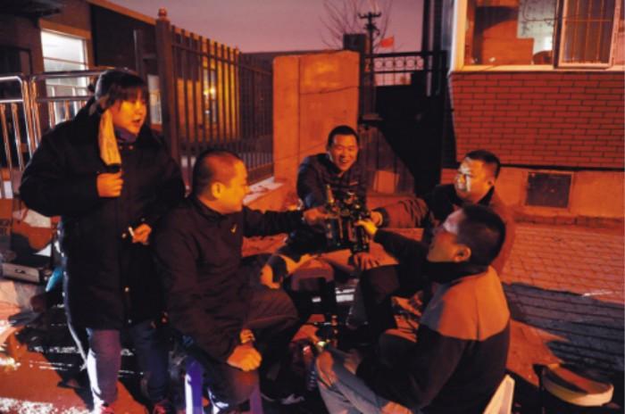 商洛男子酒后骑摩托摔亡 家属追责同桌一起喝酒的镇村干部:为啥不劝阻? ..._图1-1