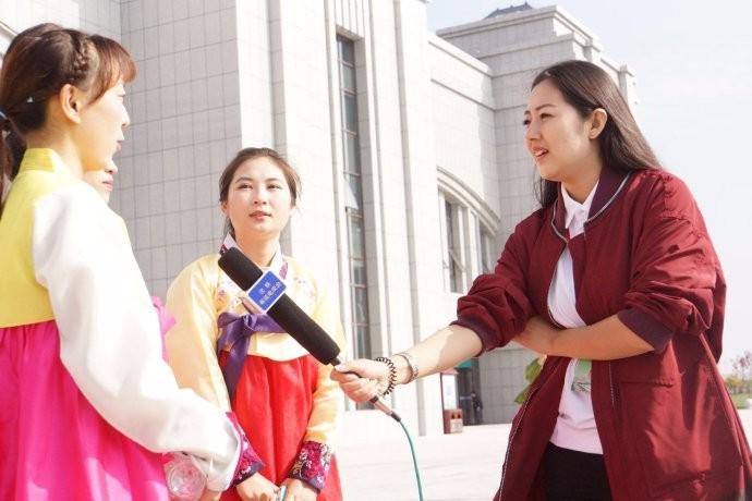 娶鲜族姑娘做老婆的惊人过程 朝鲜美女亲一口就算定下终身大事了 ..._图1-2