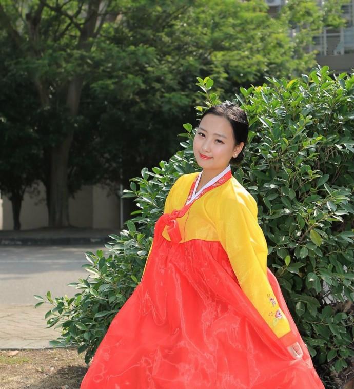 娶鲜族姑娘做老婆的惊人过程 朝鲜美女亲一口就算定下终身大事了 ..._图1-8
