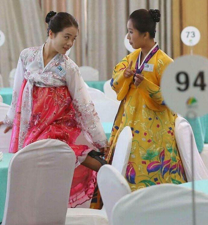娶鲜族姑娘做老婆的惊人过程 朝鲜美女亲一口就算定下终身大事了 ..._图1-10