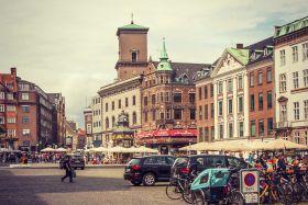 丹麦哥本哈根,走在大街上