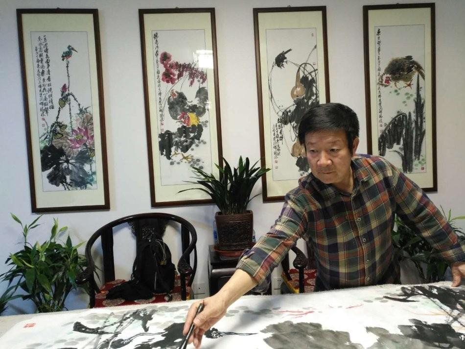 书画名家冯瑞林为日本友人赠画_图1-3