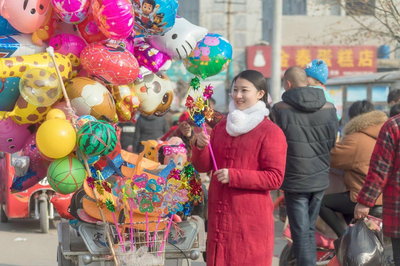 腊月二十七 乡村女教师小张老师的傅家庄年集_图1-8