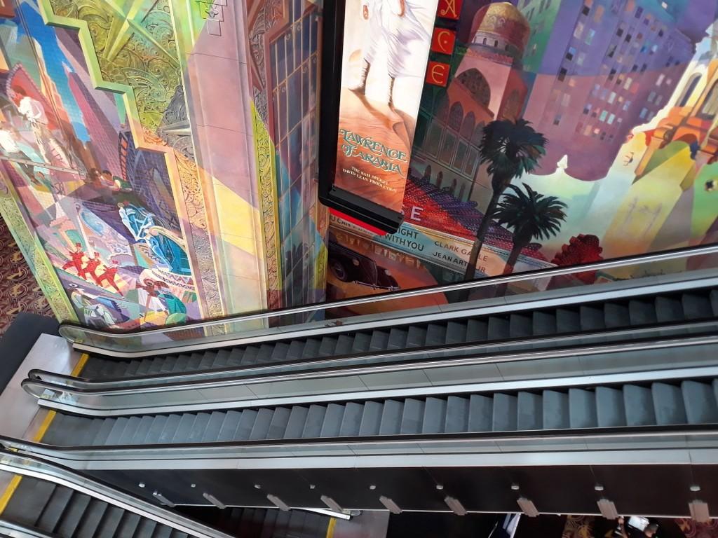 紐約邁哈頓的一家電影院_图1-17