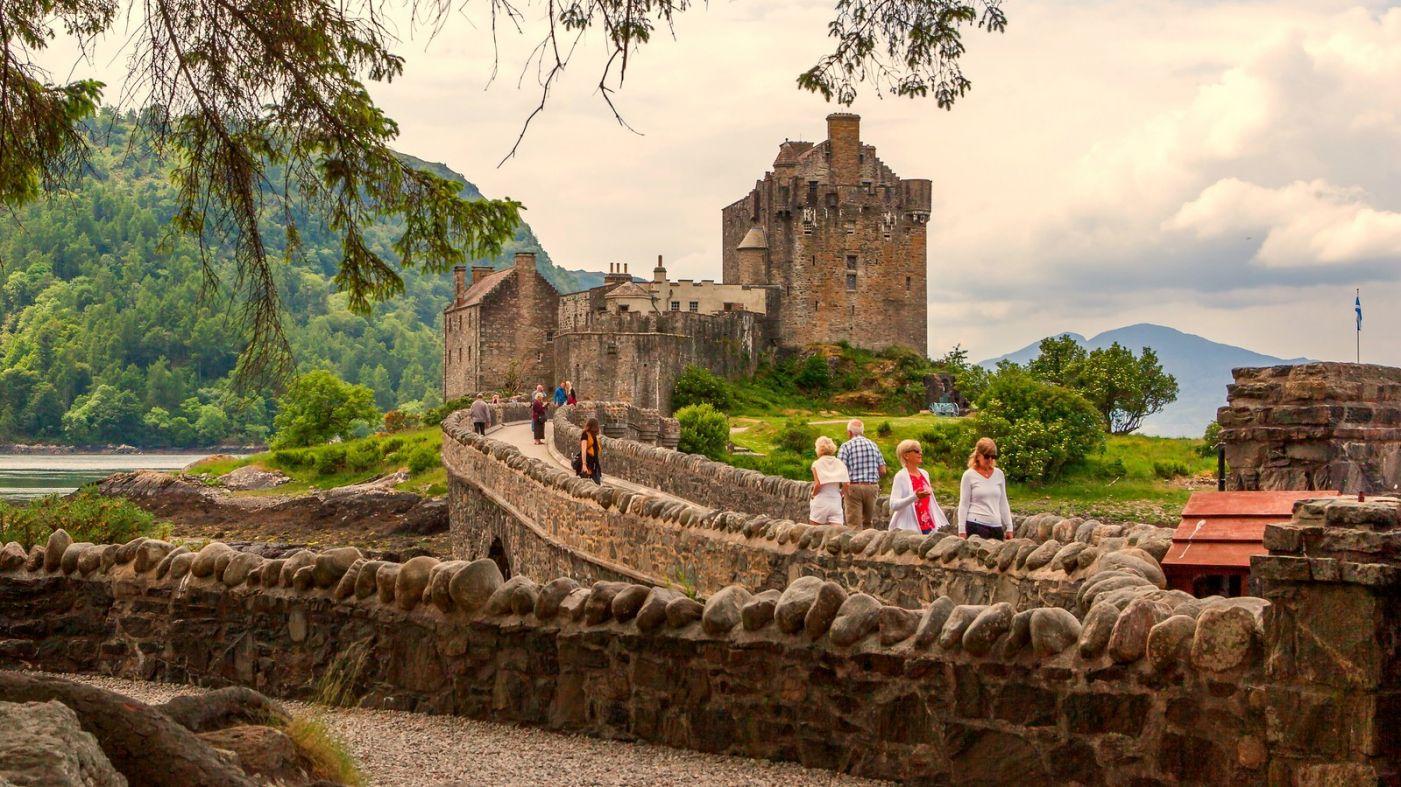 苏格兰艾琳多南城堡(Eilean Donan castle),十三世纪的杰作_图1-2