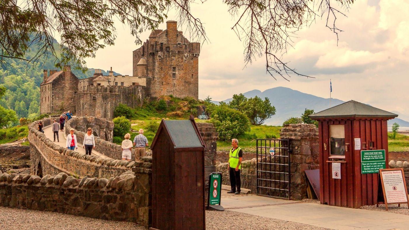 苏格兰艾琳多南城堡(Eilean Donan castle),十三世纪的杰作_图1-4