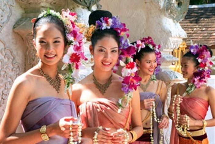 """泰国""""租妻文化""""致""""西方流浪汉""""持续增多 越来越多_图1-1"""