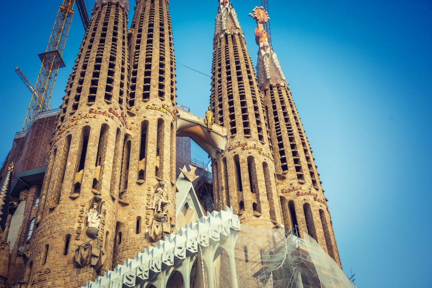西班牙圣家堂(Sagrada Família),百年还未完工的世界遗产_图1-4
