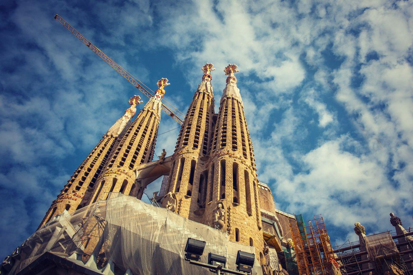 西班牙圣家堂(Sagrada Família),百年还未完工的世界遗产_图1-1