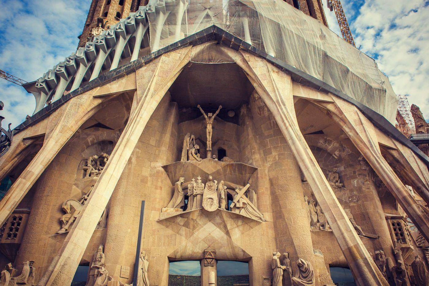 西班牙圣家堂(Sagrada Família),百年还未完工的世界遗产_图1-2