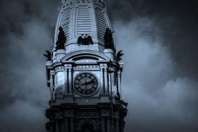 历史名城费城, 市政大厦上的雕像