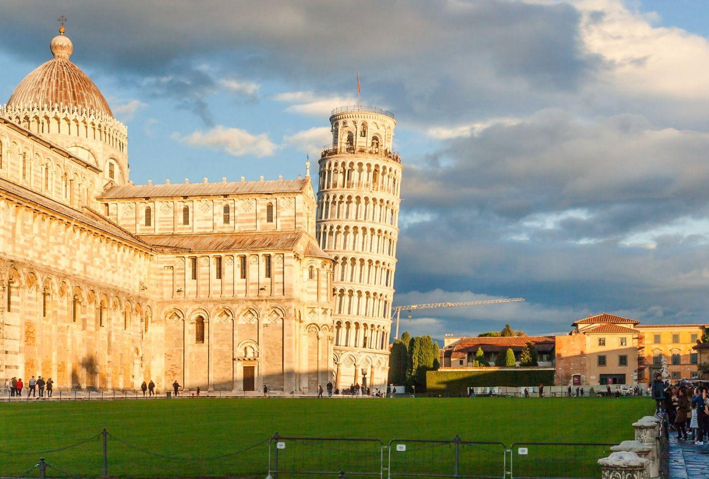 意大利比萨斜塔,看点不是塔_图1-3
