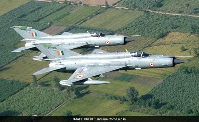 """印巴空战真相:""""枭龙""""击落了F-16?_图1-2"""