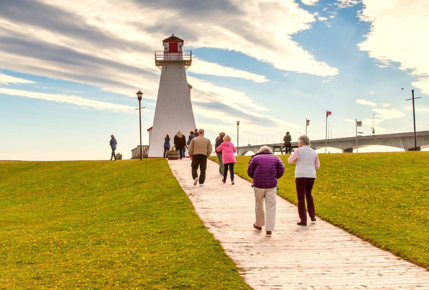 加拿大风景,长桥和灯塔_图1-18