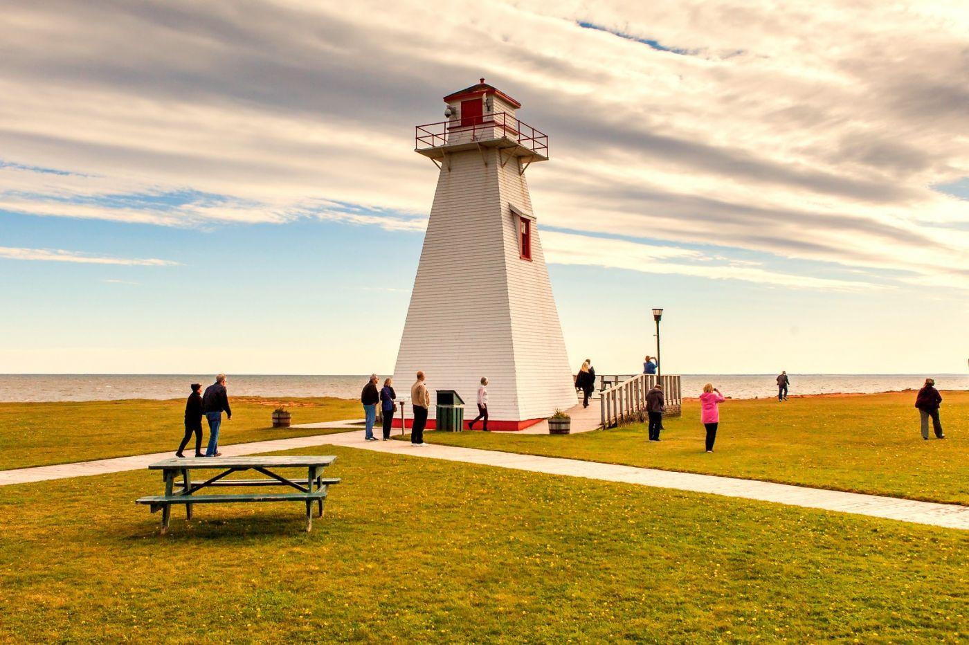 加拿大风景,长桥和灯塔_图1-17