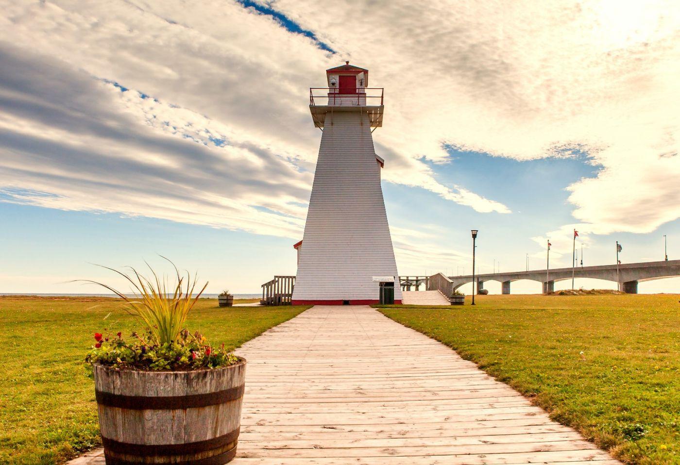 加拿大风景,长桥和灯塔_图1-16