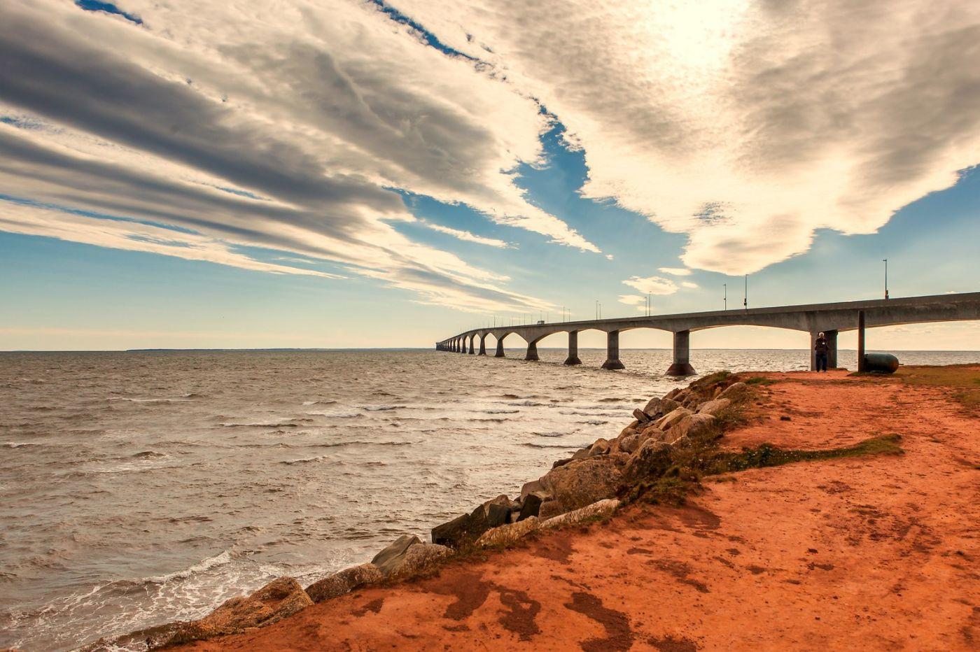 加拿大风景,长桥和灯塔_图1-13