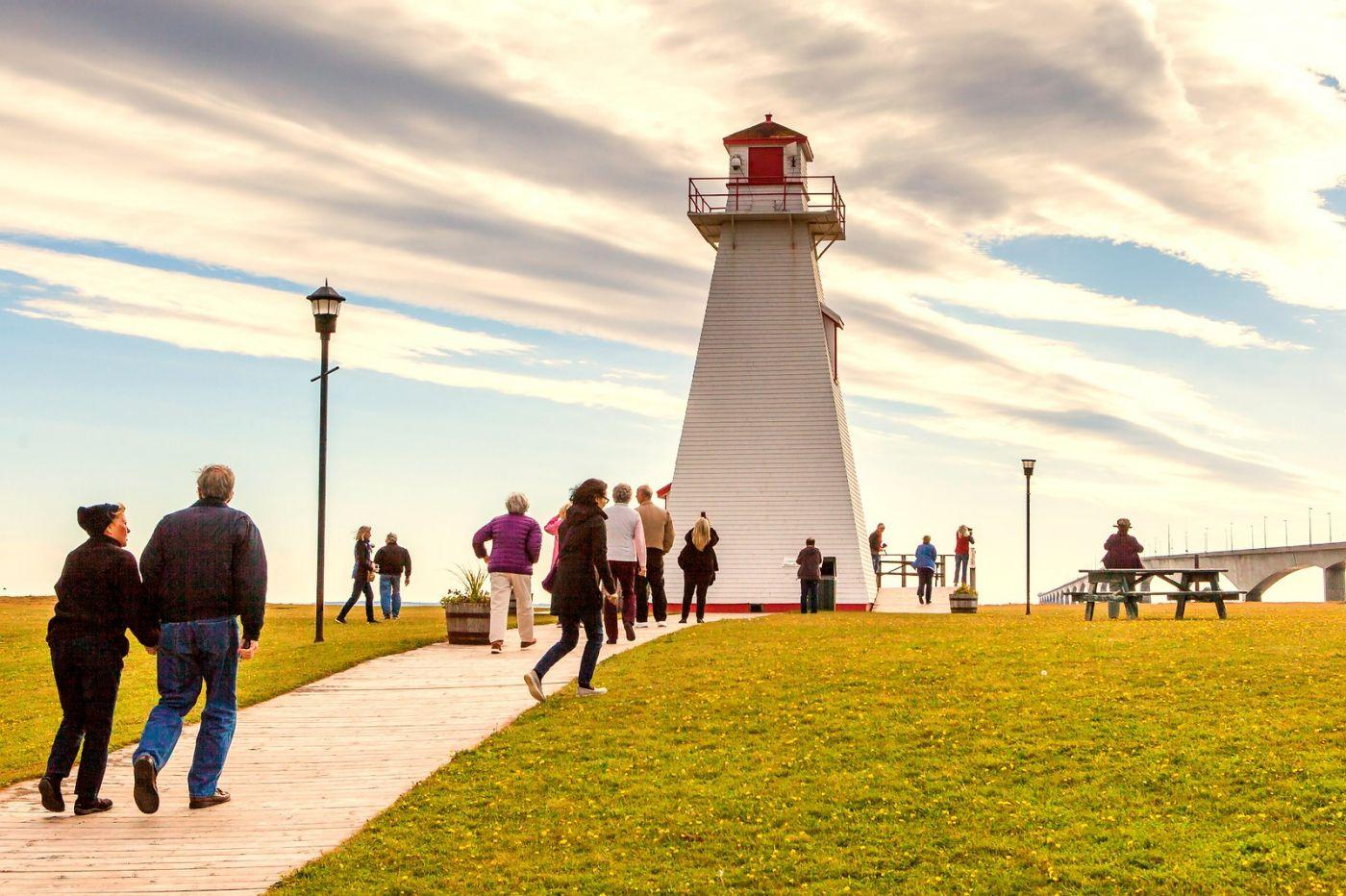 加拿大风景,长桥和灯塔_图1-4