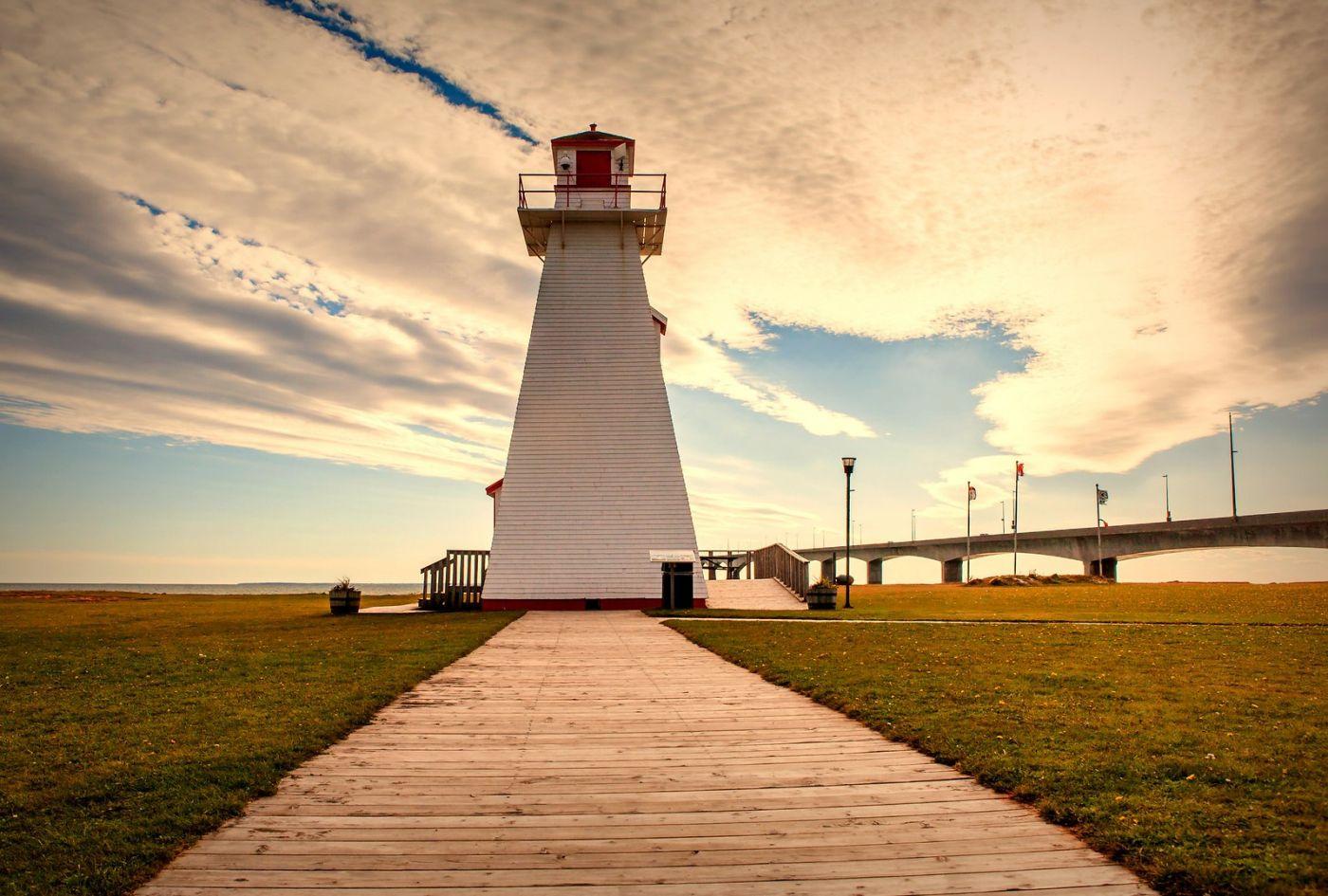 加拿大风景,长桥和灯塔_图1-6