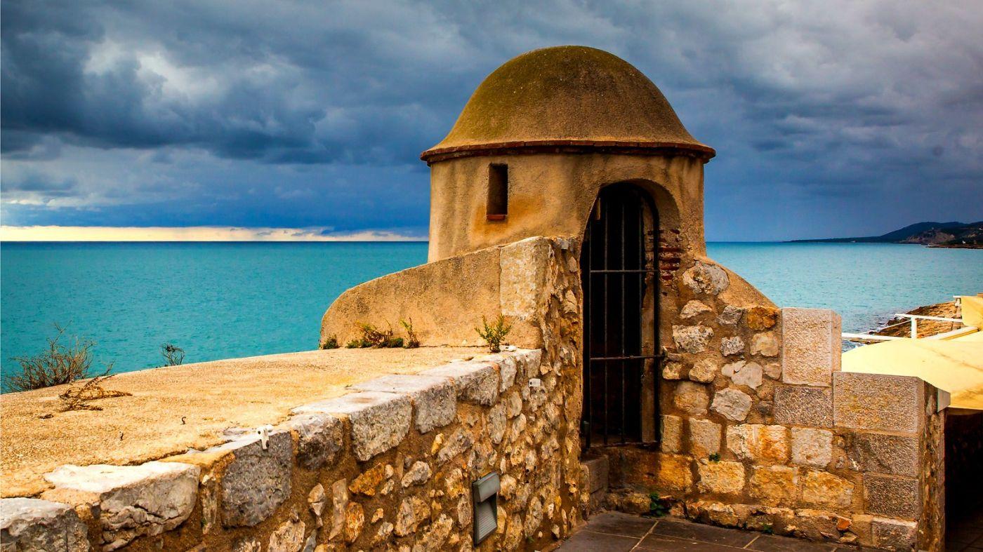 西班牙佩尼伊斯科拉(Peniscola),乌云笼罩的海边小城_图1-15