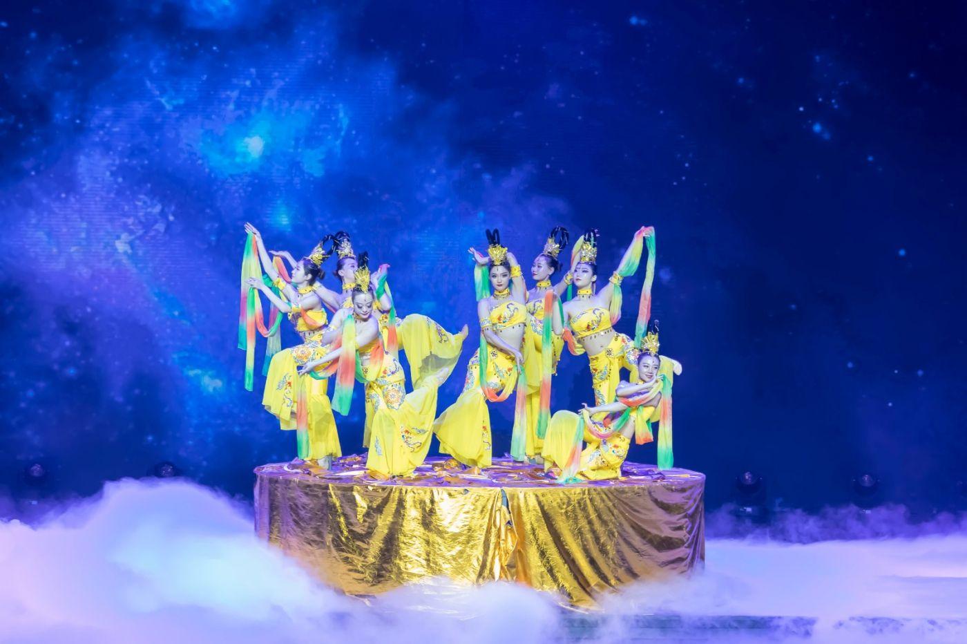 沂蒙大地上 有一种舞蹈叫飞天 这是几位临沂女孩的杰作 美轮美奂 ..._图1-4