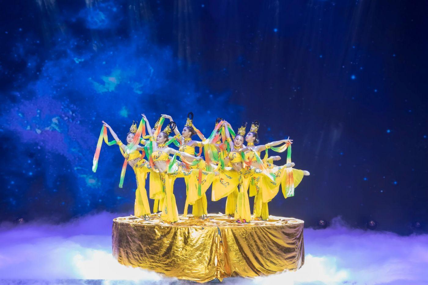 沂蒙大地上 有一种舞蹈叫飞天 这是几位临沂女孩的杰作 美轮美奂 ..._图1-13
