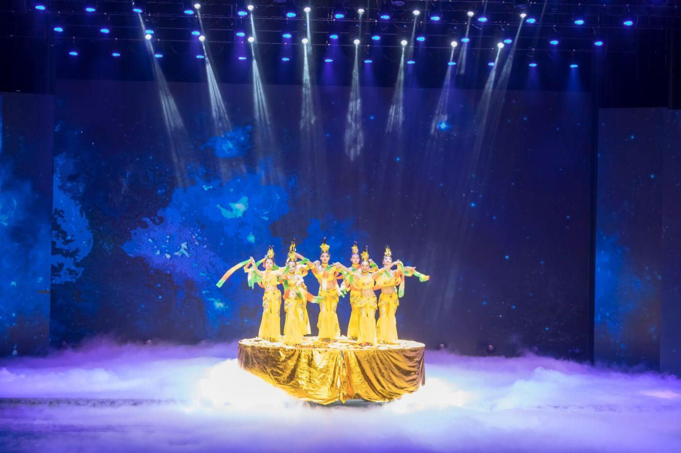 沂蒙大地上 有一种舞蹈叫飞天 这是几位临沂女孩的杰作 美轮美奂 ..._图1-14