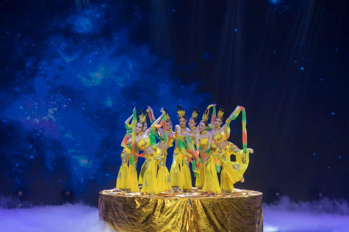 沂蒙大地上 有一种舞蹈叫飞天 这是几位临沂女孩的杰作 美轮美奂 ..._图1-38