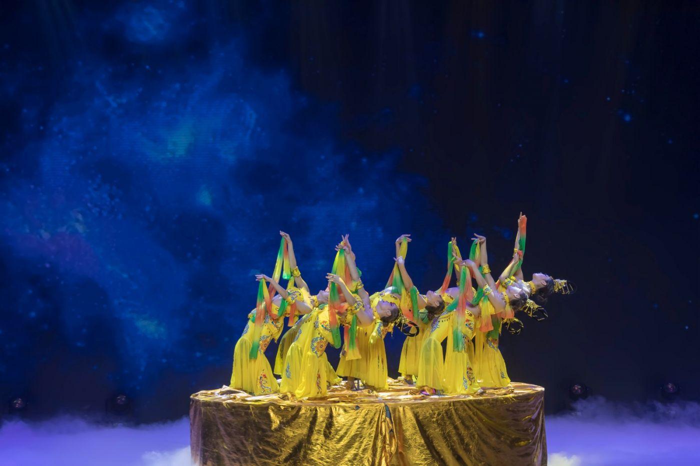 沂蒙大地上 有一种舞蹈叫飞天 这是几位临沂女孩的杰作 美轮美奂 ..._图1-43