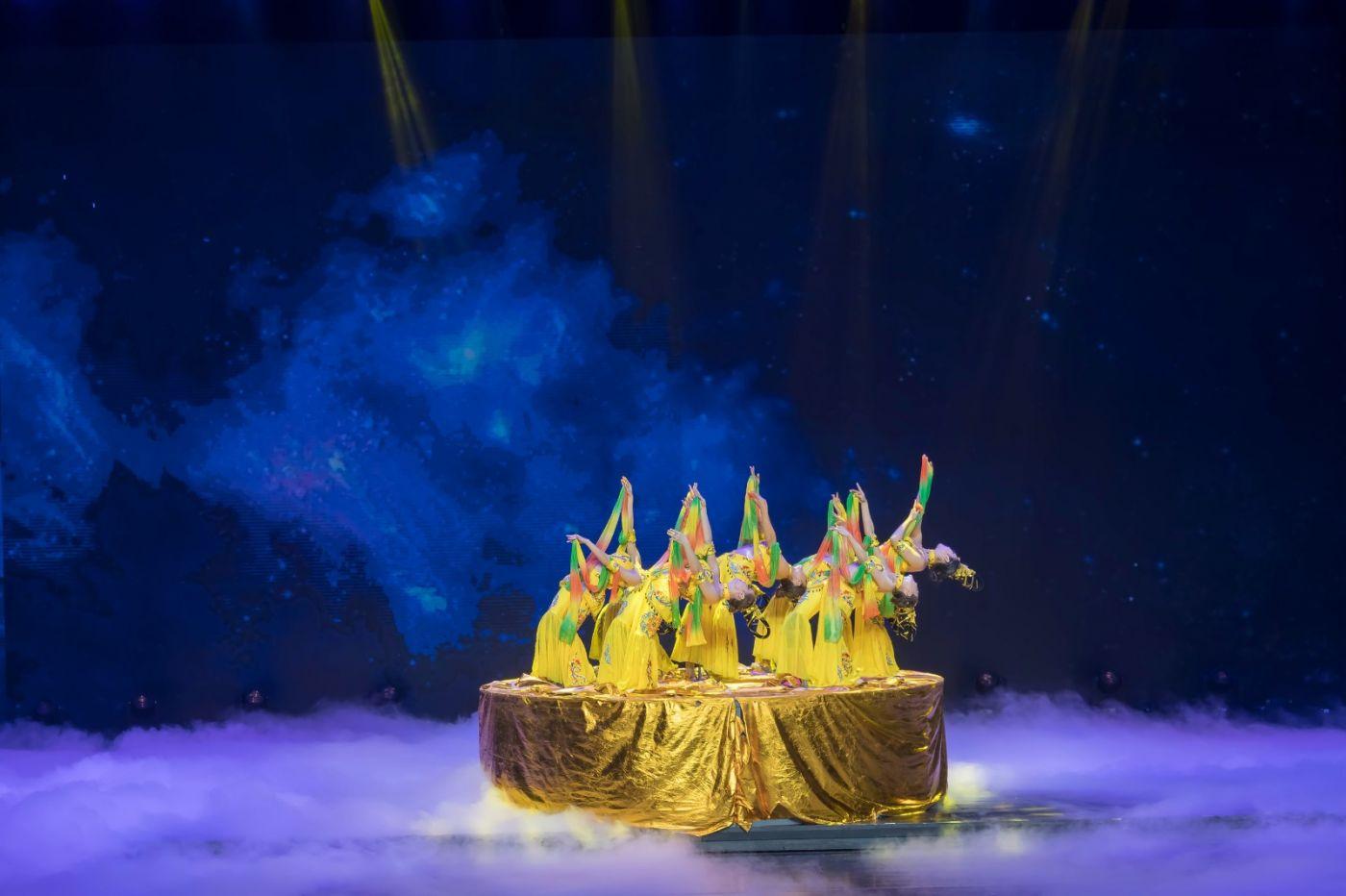 沂蒙大地上 有一种舞蹈叫飞天 这是几位临沂女孩的杰作 美轮美奂 ..._图1-45