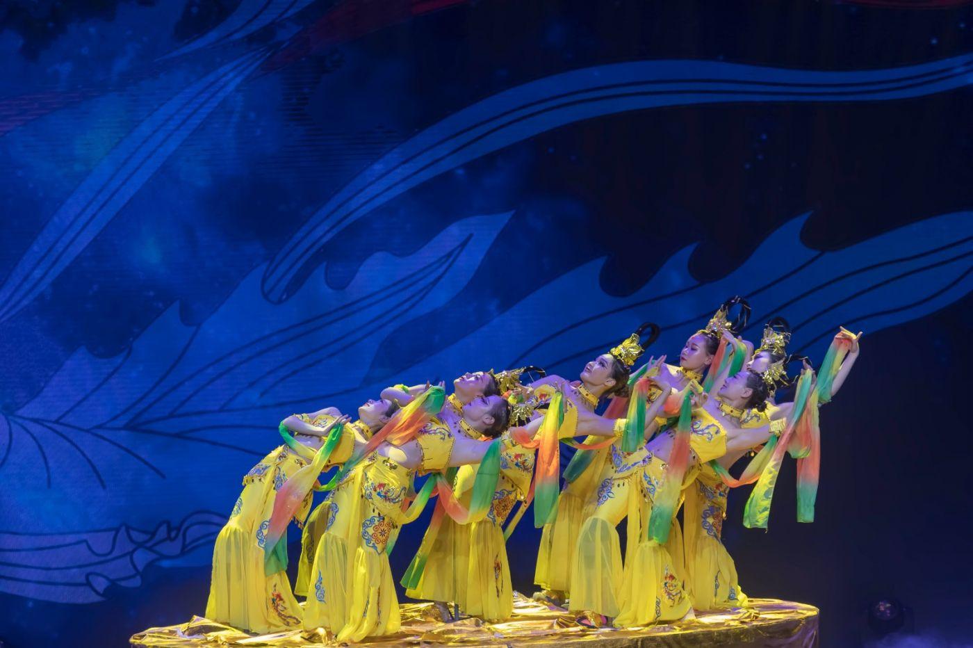 沂蒙大地上 有一种舞蹈叫飞天 这是几位临沂女孩的杰作 美轮美奂 ..._图1-46