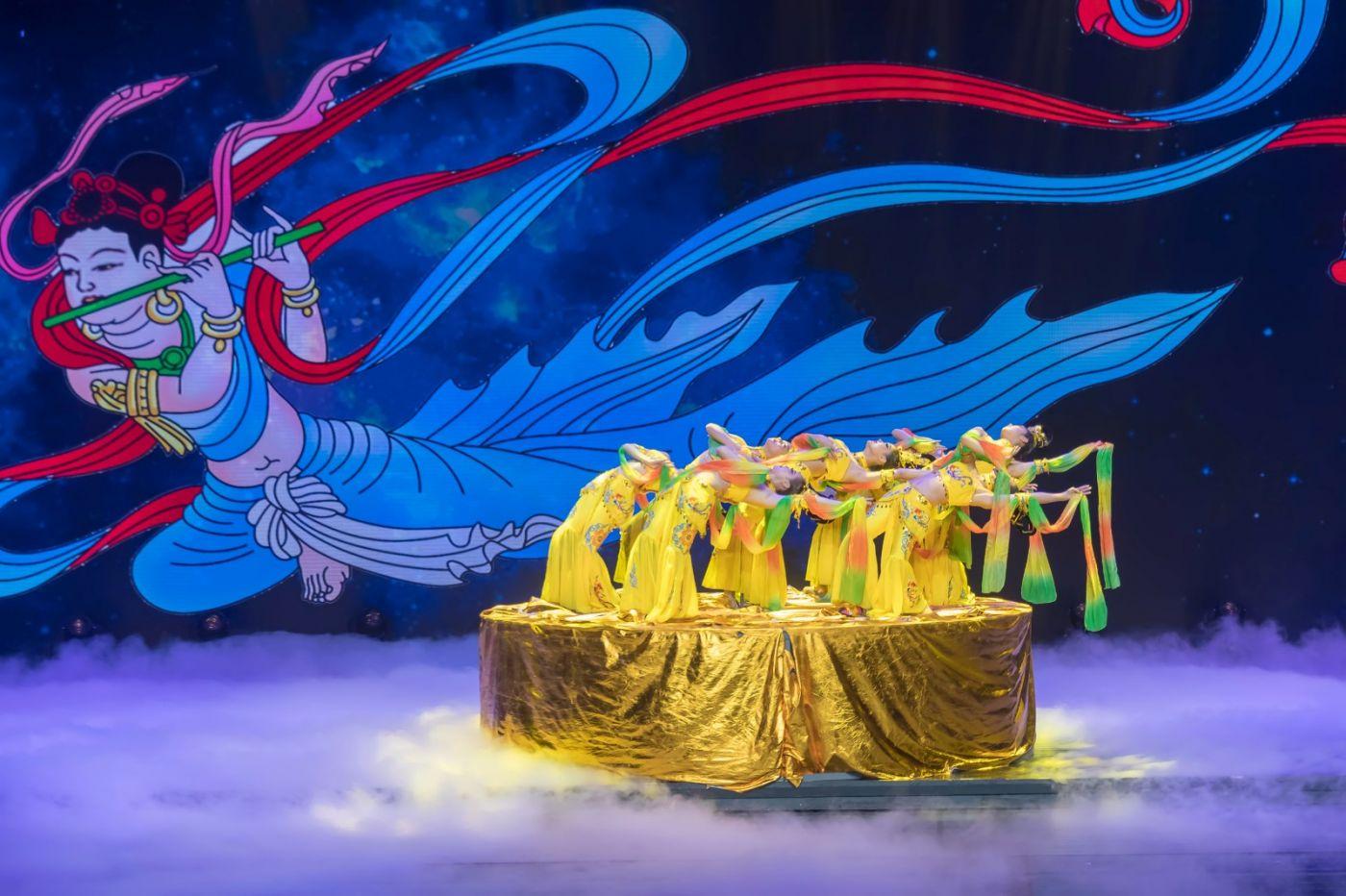 沂蒙大地上 有一种舞蹈叫飞天 这是几位临沂女孩的杰作 美轮美奂 ..._图1-47