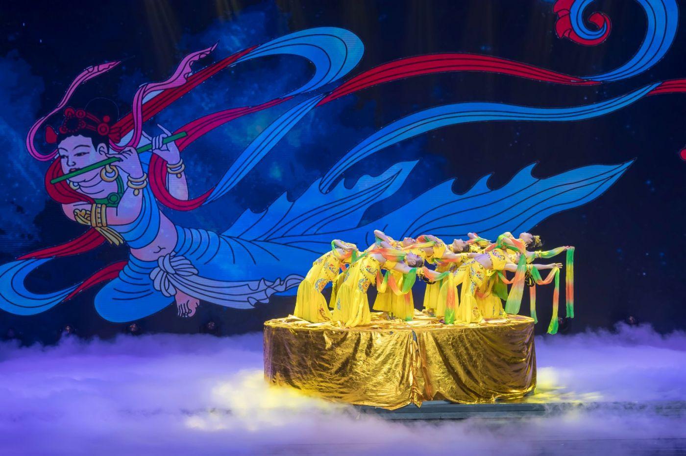 沂蒙大地上 有一种舞蹈叫飞天 这是几位临沂女孩的杰作 美轮美奂 ..._图1-48