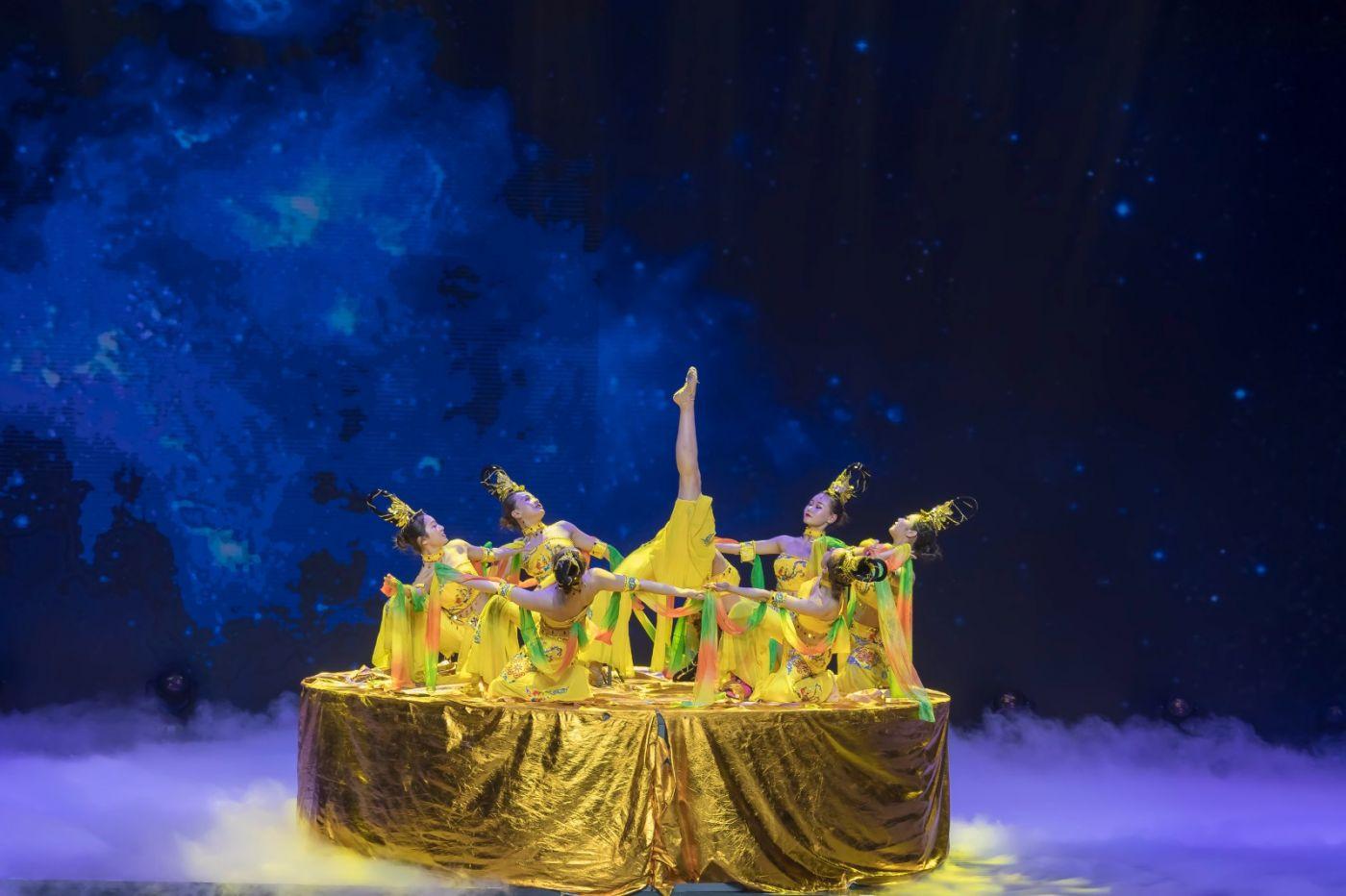 沂蒙大地上 有一种舞蹈叫飞天 这是几位临沂女孩的杰作 美轮美奂 ..._图1-54