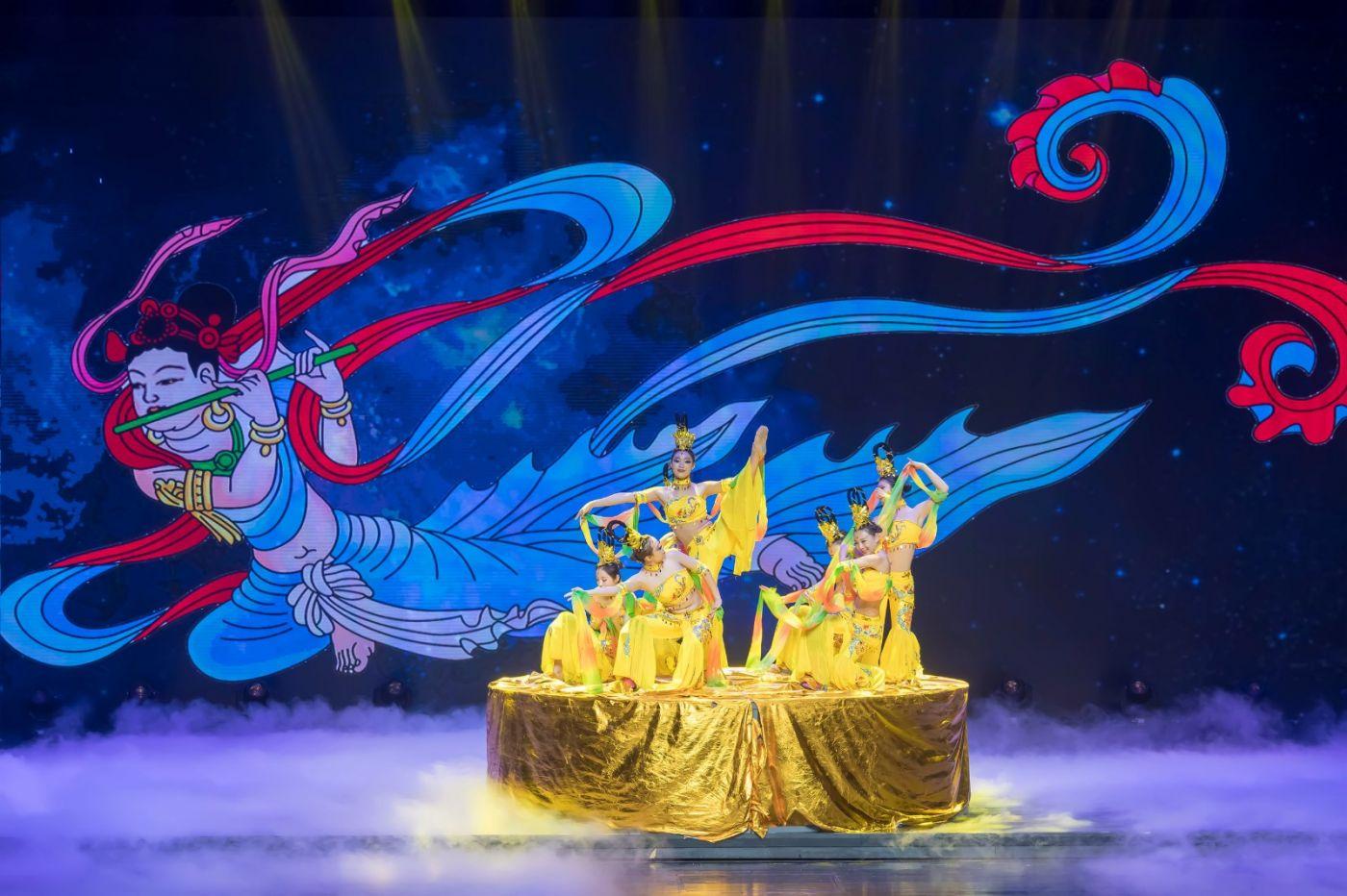 沂蒙大地上 有一种舞蹈叫飞天 这是几位临沂女孩的杰作 美轮美奂 ..._图1-59