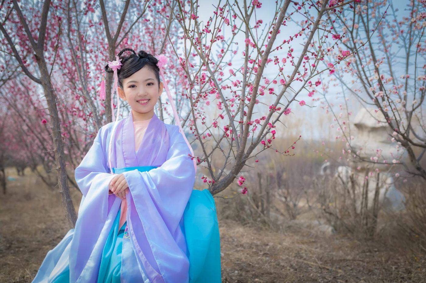 翟家小妮翟雅慧之春到梅园 花儿与少年系列 梅园尽显中国风_图1-7