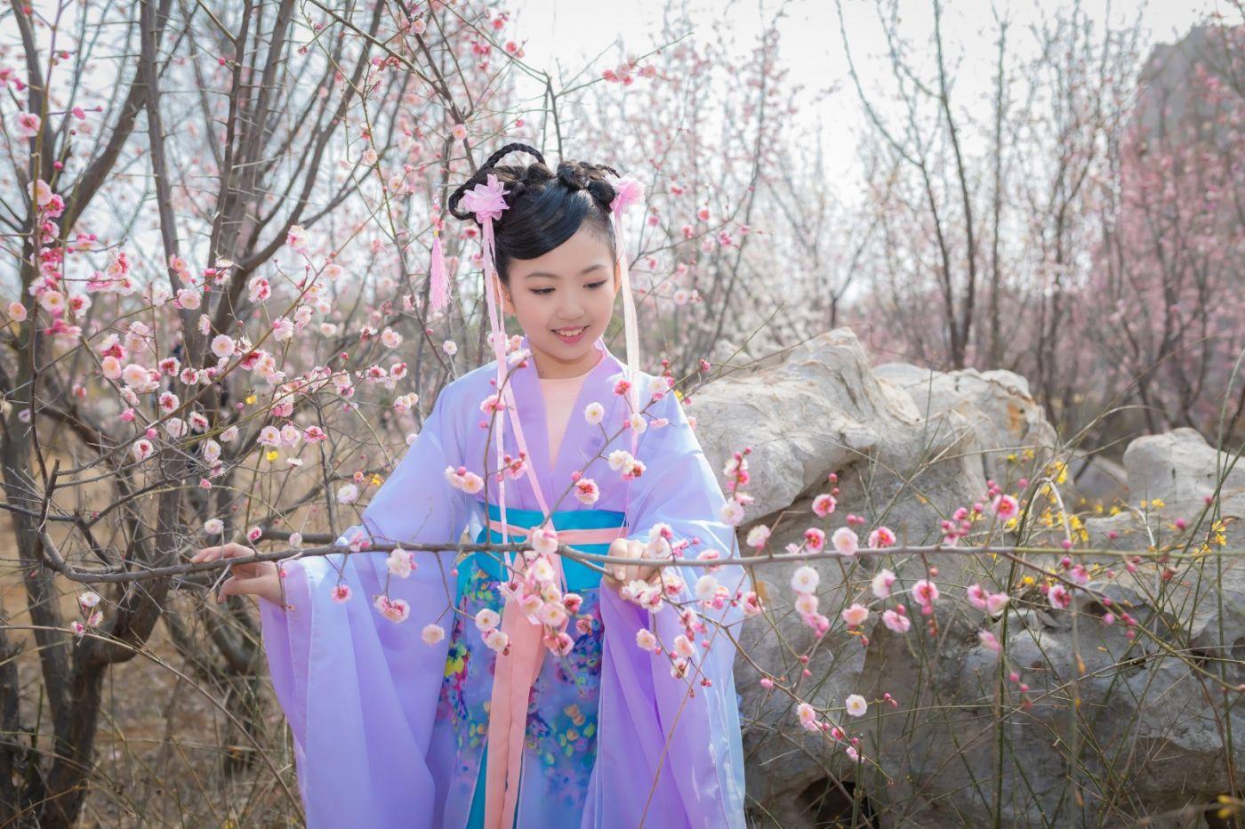 翟家小妮翟雅慧之春到梅园 花儿与少年系列 梅园尽显中国风_图1-9